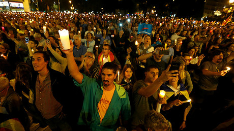 1,000s take part in solidarity vigil for jailed Catalan leaders