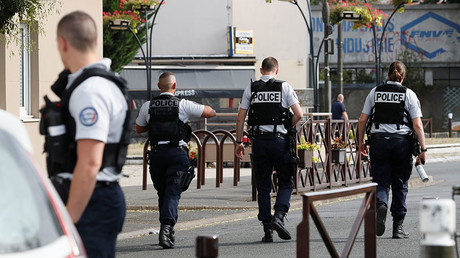 Drug dealers, jihadists & ex-convicts: Violence at French college forces teachers' protest
