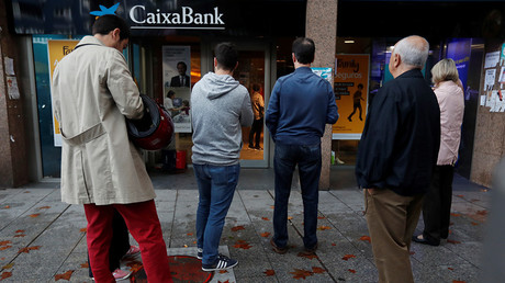 Catalonia independence supporters call on public to pull cash from Spanish banks