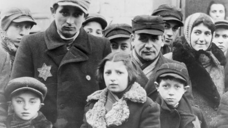 Jews wearing Star of David badges, Lodz Ghetto, Poland, World War II, 1940-1944 © Jewish Chronical / Global Look Press