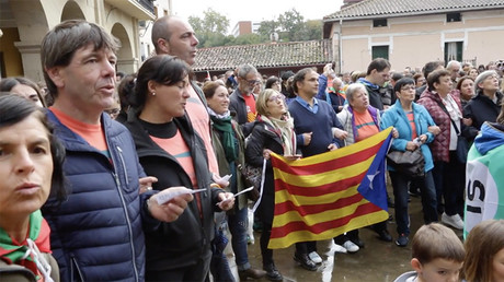 Huge human chain: Basques gather in support of Catalan independence