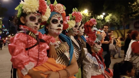 Day of the Dead: Mexicans honor ancestors during Catrines parade