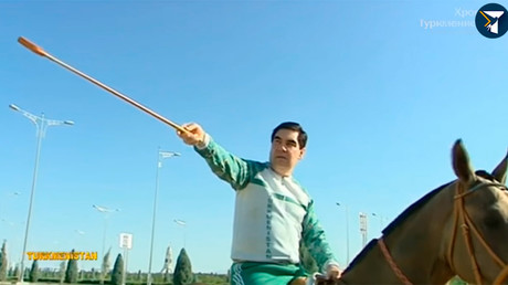 Tracksuited Turkmen president inspects construction work in capital atop his horse (VIDEO)