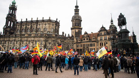 Anti-immigrant PEGIDA celebrates 3rd anniversary confronted by counter-protest in Dresden (VIDEOS)
