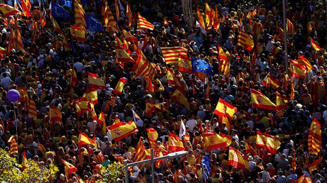 Crowds of unity supporters flooding streets of Barcelona captured in dramatic aerial footage (VIDEO)