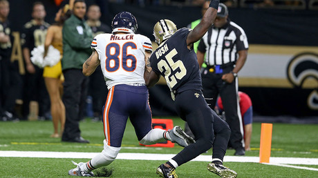 Chicago Bears' Zach Miller (86) suffers leg injury during the game with Orleans Saints ©Chuck Cook-USA TODAY Sports
