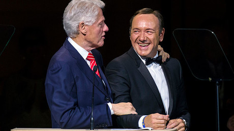 Former US President Bill Clinton and Kevin Spacey © Lucas Jackson