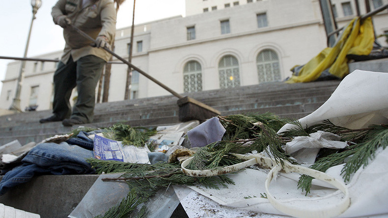 Homeless to clean trash from LA streets, if city council gets way