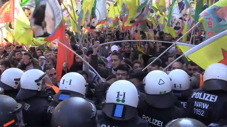 15 German police injured dispersing Kurdish rally with banned PKK flags (PHOTOS, VIDEOS)