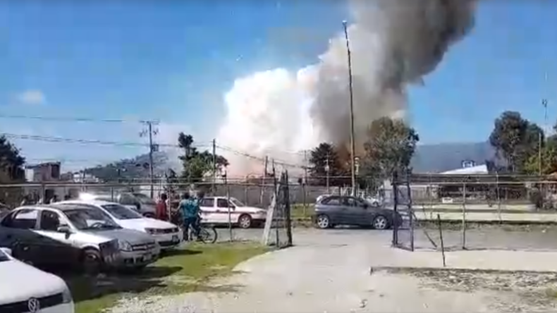 Woman suffers severe burns & dies after Mexico fireworks factory explosion (VIDEO)
