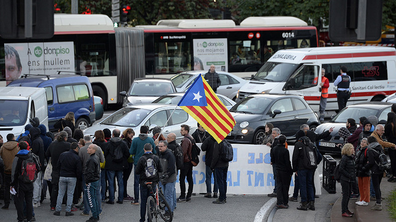 Catalonia chaos: Pro-independence rallies block 60 roads & stop trains (VIDEOS)  %Post Title