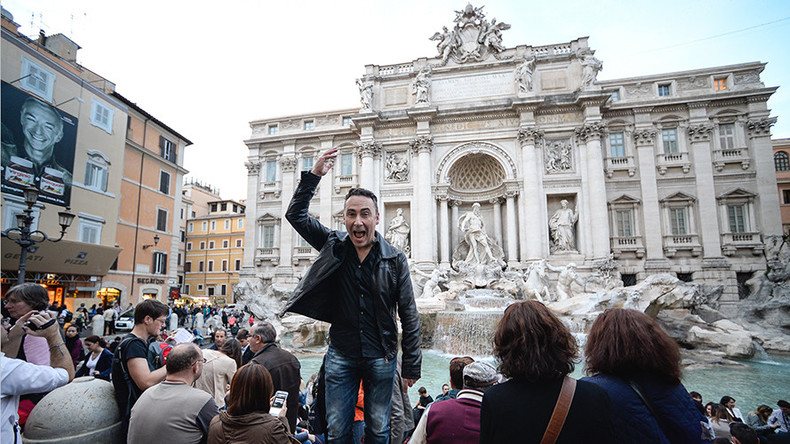 Broke Rome eyes up Trevi Fountain cash to bolster city finances