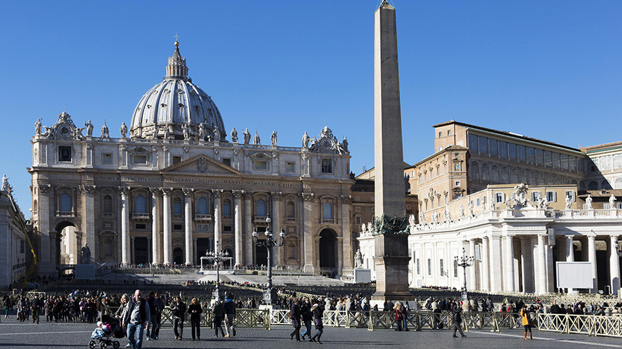 ISIS-linked propaganda poster threatens Christmas attack on the Vatican