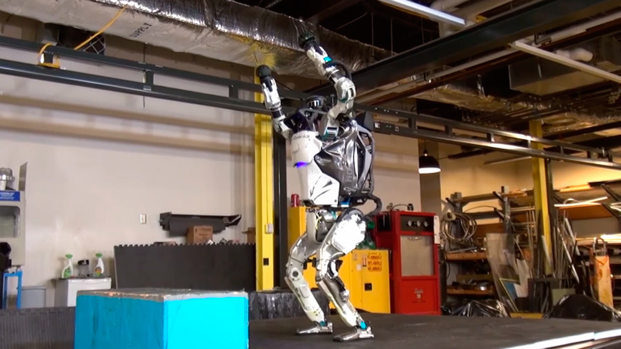 Humanoid robot Atlas nails perfect backflip (VIDEO)