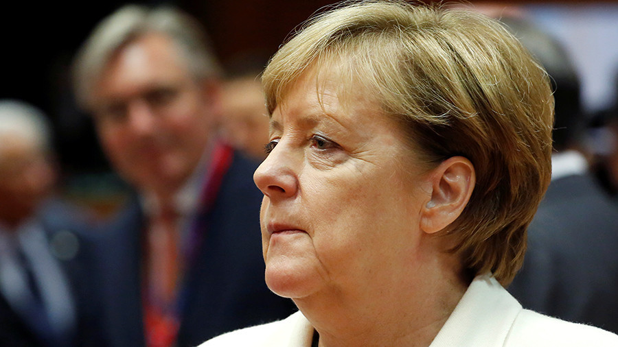 Euro crashes with Angela Merkel's fourth term as chancellor in doubt