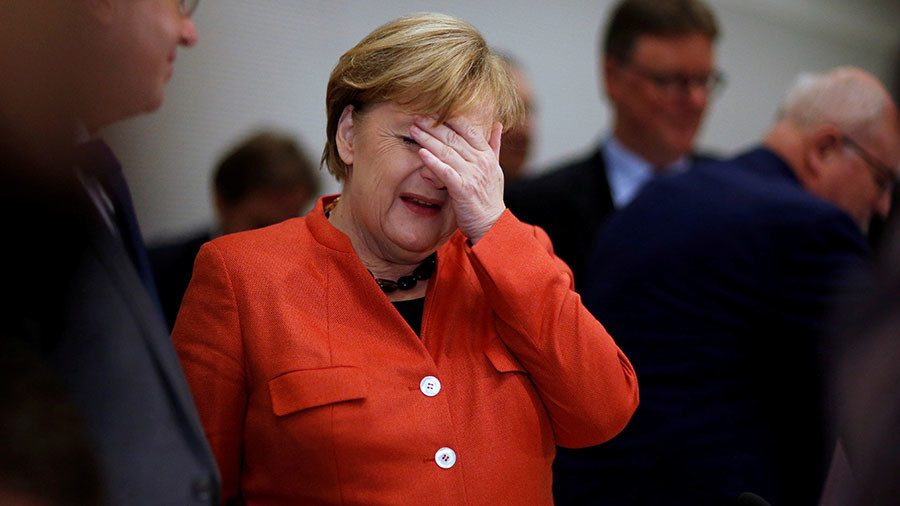 'Merkel is on a destructive course, refuses to correct her policies'