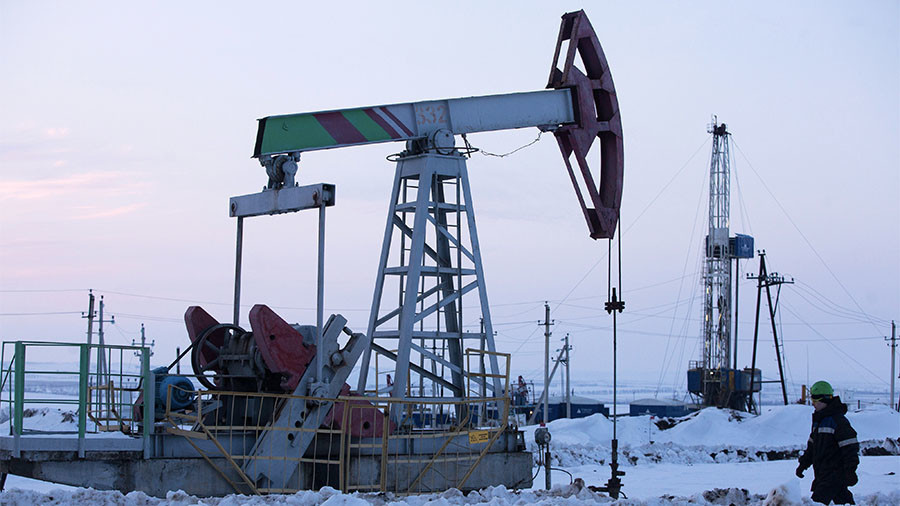 Russian oil companies support extending production cuts with OPEC