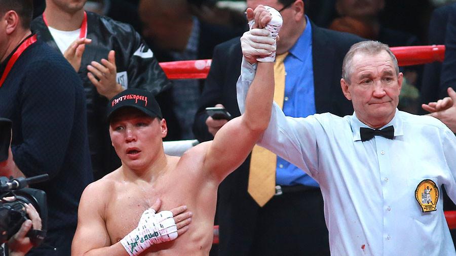'Siberian Rocky' pledges allegiance to 'Team Putin'