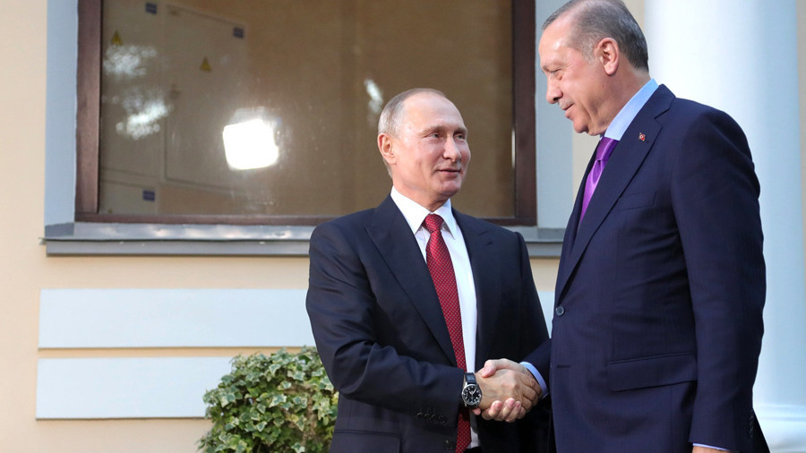 No Jeeves: Putin the courteous tips dear guest Erdogan's chair (VIDEO)