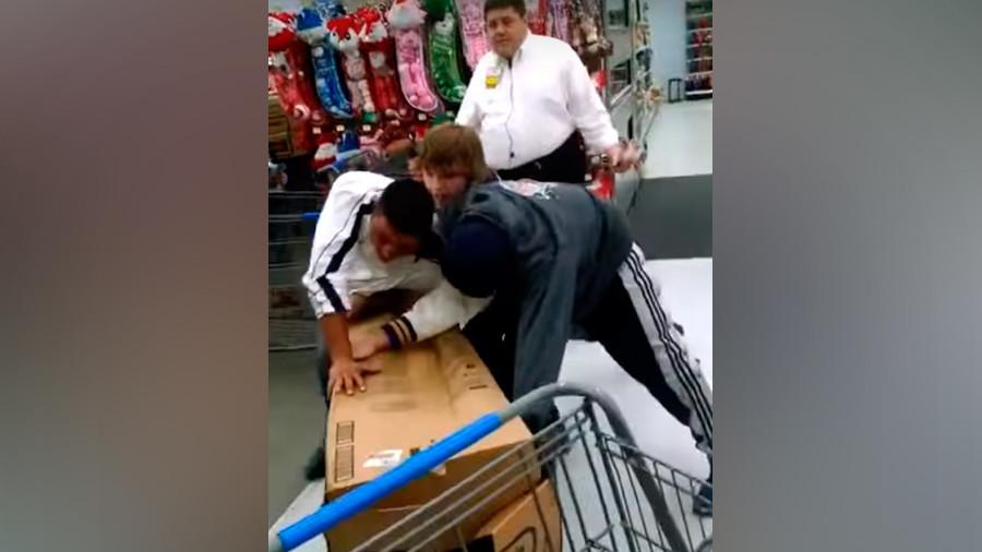 Slappy holidays: Mayhem engulfs US malls as Black Friday rolls into town (VIDEOS)