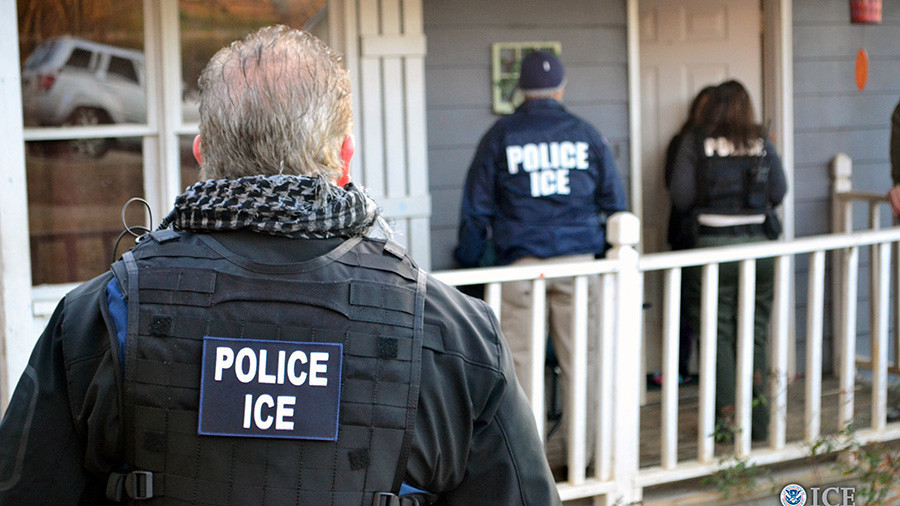 Lawyers walk out of New York court after ICE agents arrest client