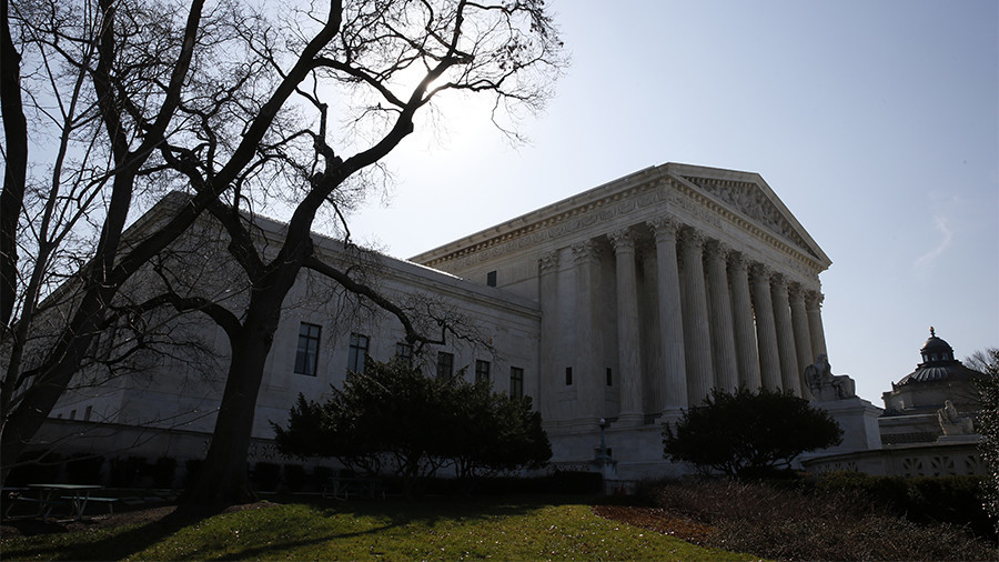 Supreme Court justices signal in favor of cell phone privacy