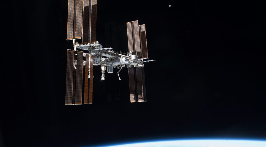Space bugs, Papal calls, amazing auroras: 17yrs aboard the ISS (VIDEOS, PHOTOS)