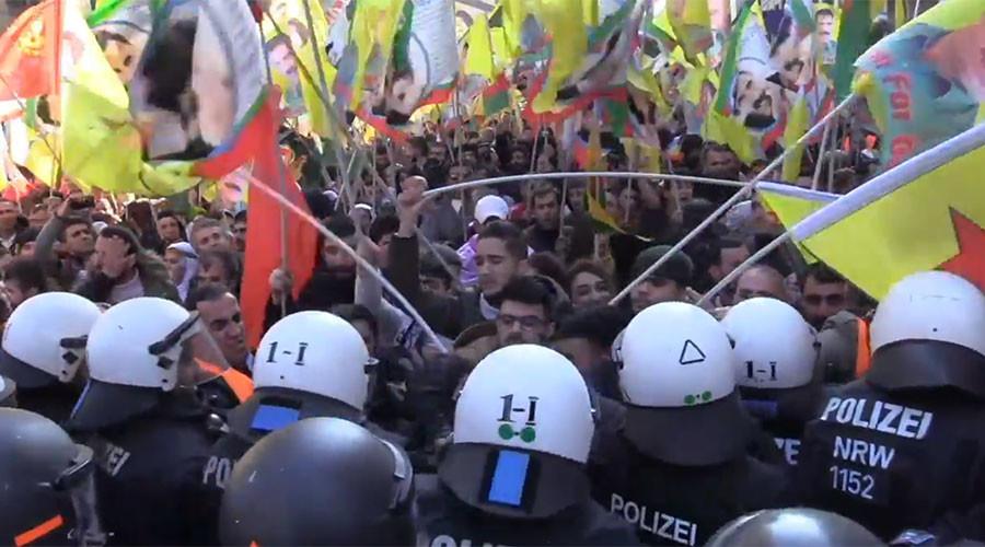 15 German police injured dispersing Kurdish rally with banned PKK flags (PHOTOS, VIDEOS)