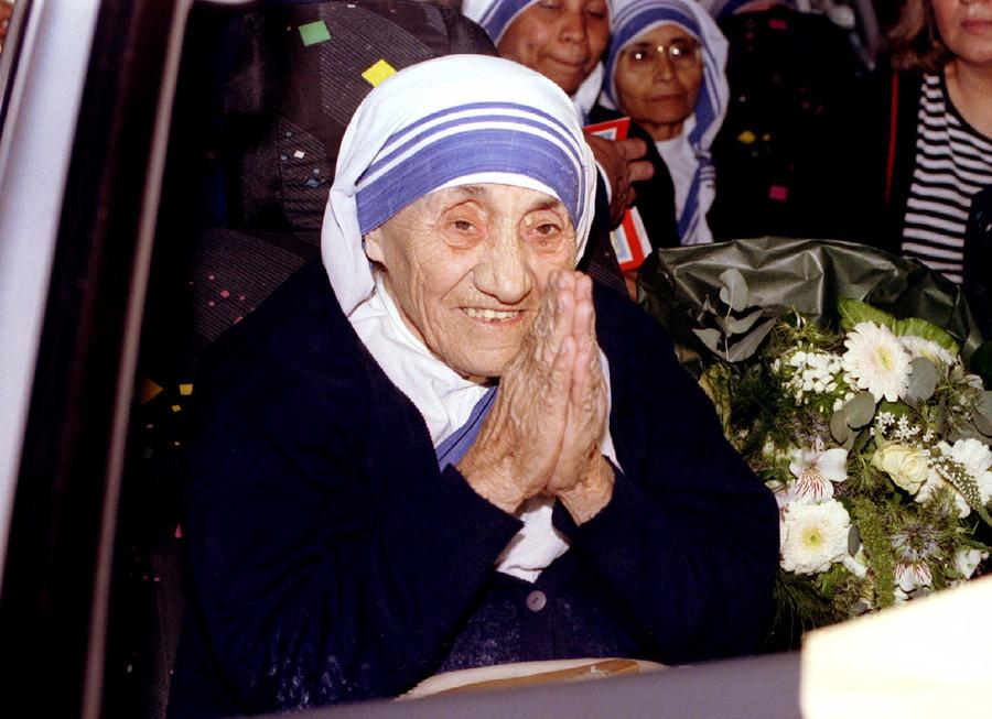 'Cashed-up' Mother Teresa kept Vatican Bank afloat – journalist