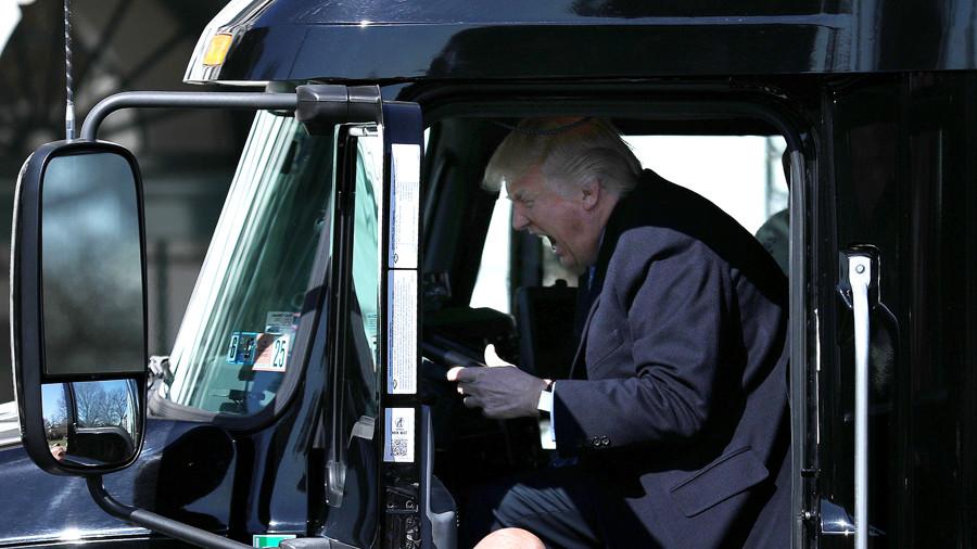 Not-so-free speech? Texas motorist with 'F**k Trump' sticker arrested & released on bail
