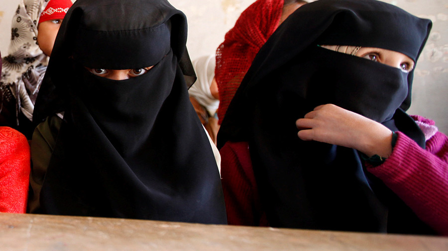 UK school inspectors to ask girls in hijabs why they wear the Islamic garment