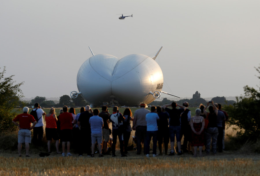 World's largest aircraft crashes in Bedfordshire field