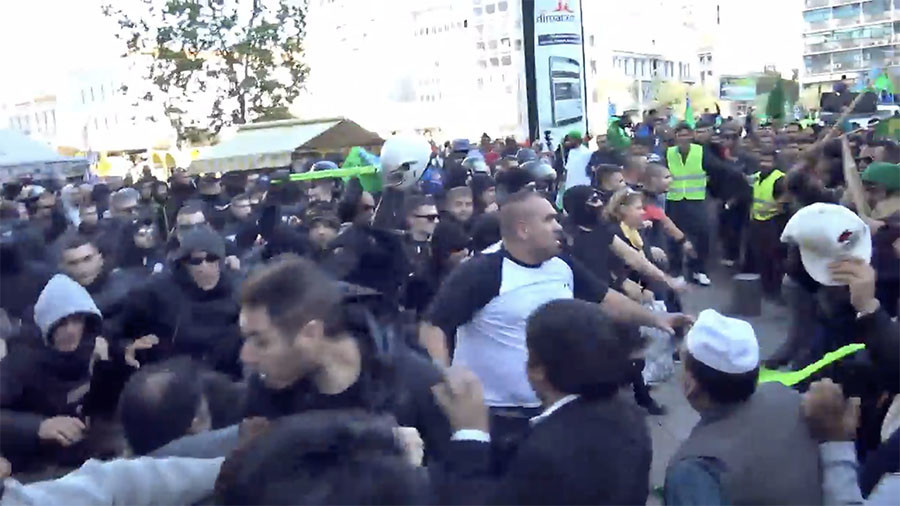 Greek football hooligans attack Pakistanis celebrating Prophet Mohammed's birthday in Athens (VIDEO)