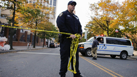 Video captures New York suspect as pipe bomb explodes