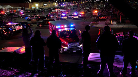 People watch an ambulance leave at the scene of a shooting at a Walmart in Thornton, Colorado November 1, 2017. © Rick Wilking