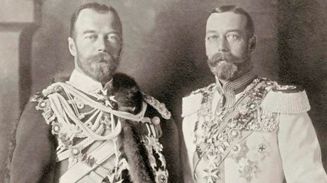 Russia's Tsar Nicholas II and King George V of Britain. © Wikipedia