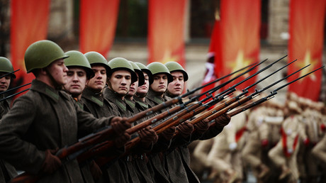 Moscow re-enacts historic WWII parade on Red Square