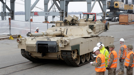 A US main battle tank Abrams in a port of the Latvian capital of Riga on March 9, 2015 © Ints Kalnins