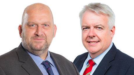 Carl Sargeant and Labour leader Carwyn Jones © Wikipedia