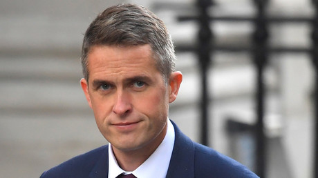 Britain's Secretary of State for Defence Gavin Williamson is seen in Downing Street, London. © Toby Melville