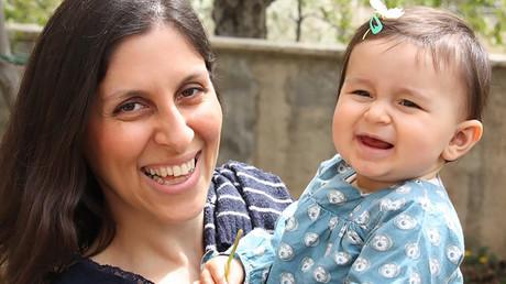 Nazanin Zaghari-Ratcliffe with her daughter Gabriella © Free Nazanin campaign