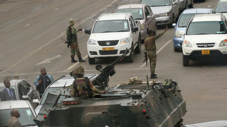 Zimbabwean soldiers, armored vehicles block roads to govt offices in capital