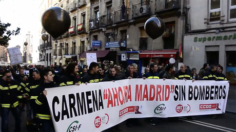 Firefighters protest in Madrid, demand better working conditions