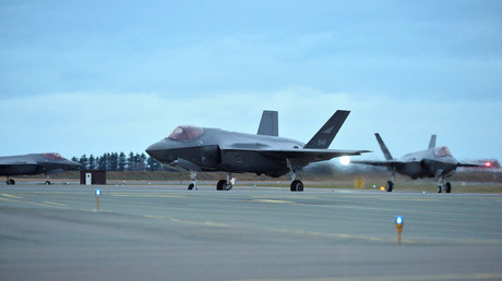 FILE PHOTO: The first three F-35 fighter jets ordered by Norway's Air Force arrive in Oerland Main Air Station, near Trondheim, Norway © Norsk Telegrambyra AS