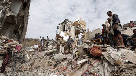 Yemenis search under the rubble of a house destroyed in an air strike in the residential southern Faj Attan district of the capital Sanaa on August 25, 2017. © Mohammed Huwais