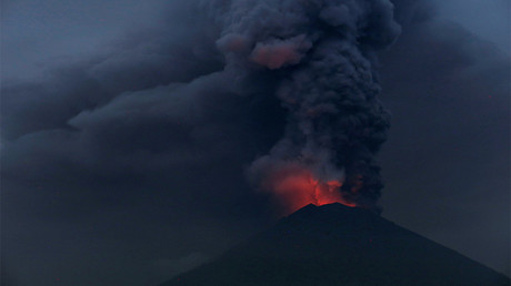 Volcanic ash triggers evacuation in Philippines, 'hazardous eruptions' feared (PHOTOS)