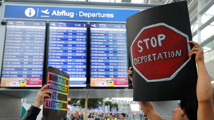 Pilots across Germany are blocking the deportation of asylum seekers