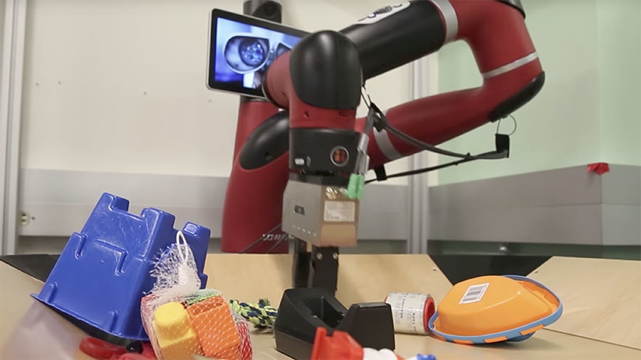Technology of the future: Robots use foresight to imagine actions (VIDEO)
