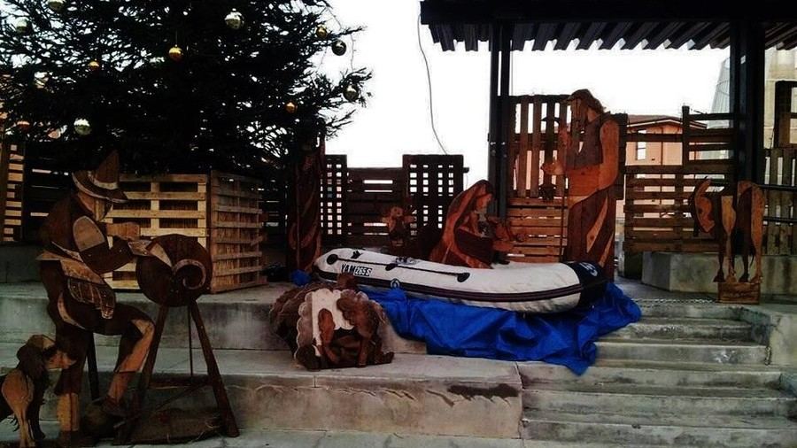 Migrant Jesus in inflatable crib? Italian Bishop slams unconventional Nativity scene (PHOTOS)