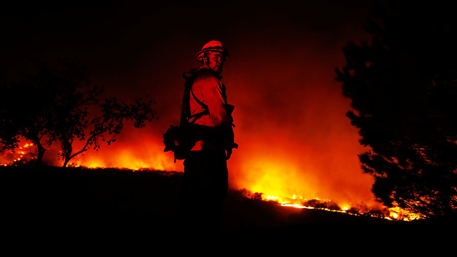 Lilac Fire State of emergency declared in San Diego as yet another CA inferno burns homes